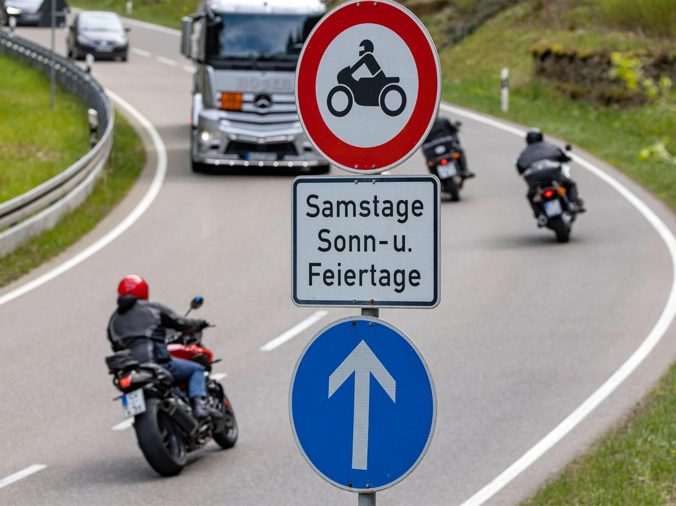 verbot-motorrad-sonntage